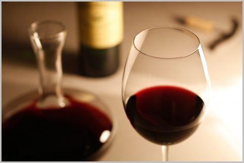 ワインを飲むと頭痛がするのは酸化防止剤が原因