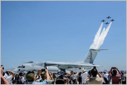 美保基地航空祭で新しい輸送機C-2のフライト