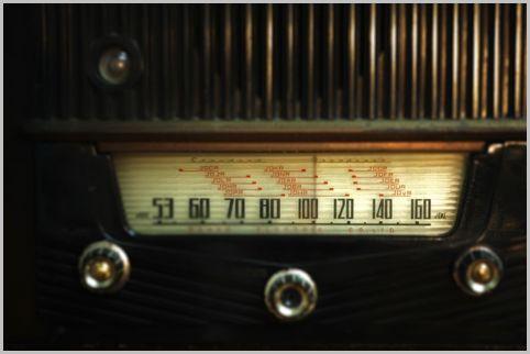 ラジオの歴史はクリスマスに行った実験で始まる